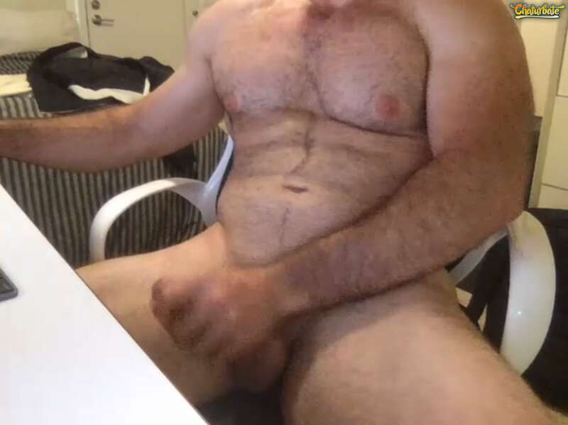 Hairy muscle man naked and jerking on webcam