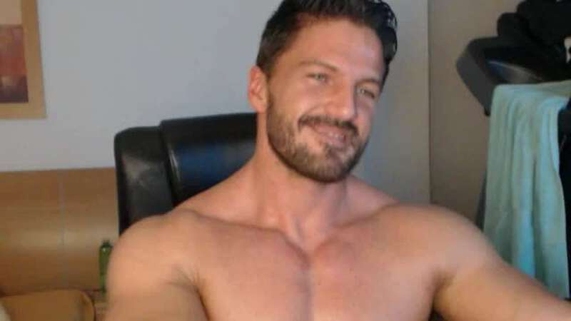 handsome muscled webcam performer Xavier Hulk