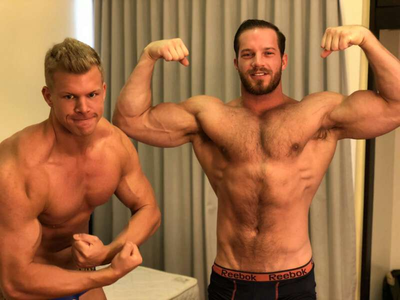 Cam jerk off buddies Brock Jacobs and Alexander Steel flexing their muscles